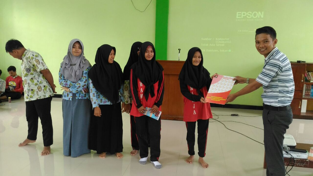 <p>Sosialisai STIMIK Sepuluh Nopember di SMA Muhammadiyah Jayapura</p>