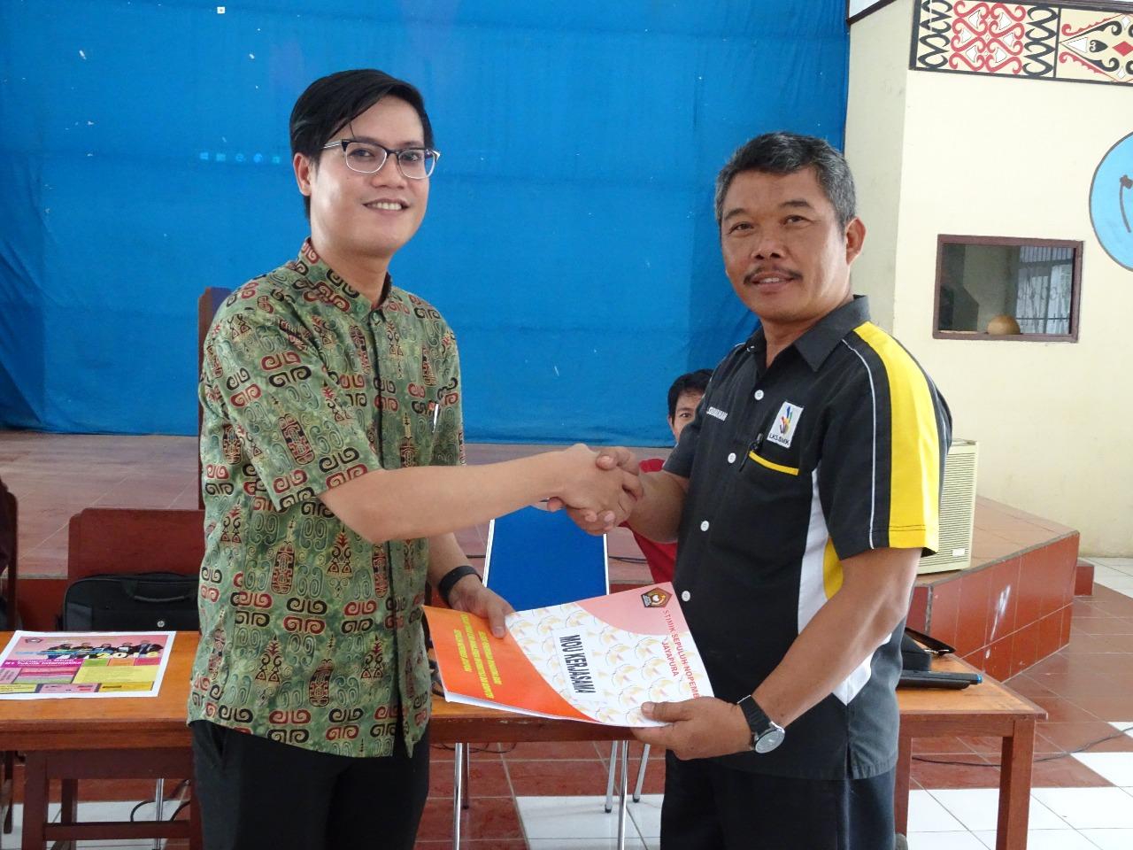 <p>Sosialisai STIMIK Sepuluh Nopember di SMK Negeri 5 Jayapura</p>