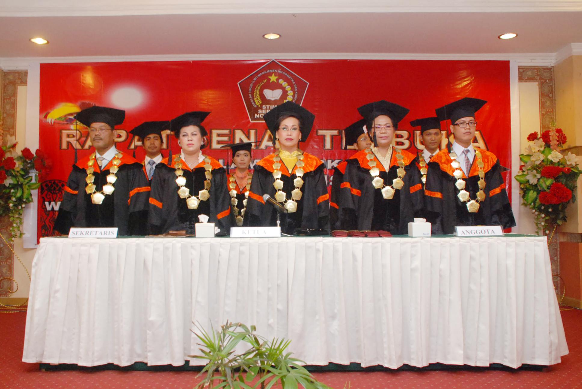 <p>Rapat Senat Terbuka dalam rangka dies natalis dan wisudawan angkatan I dan II STIMIK Sepuluh Nopember Jayapura</p>