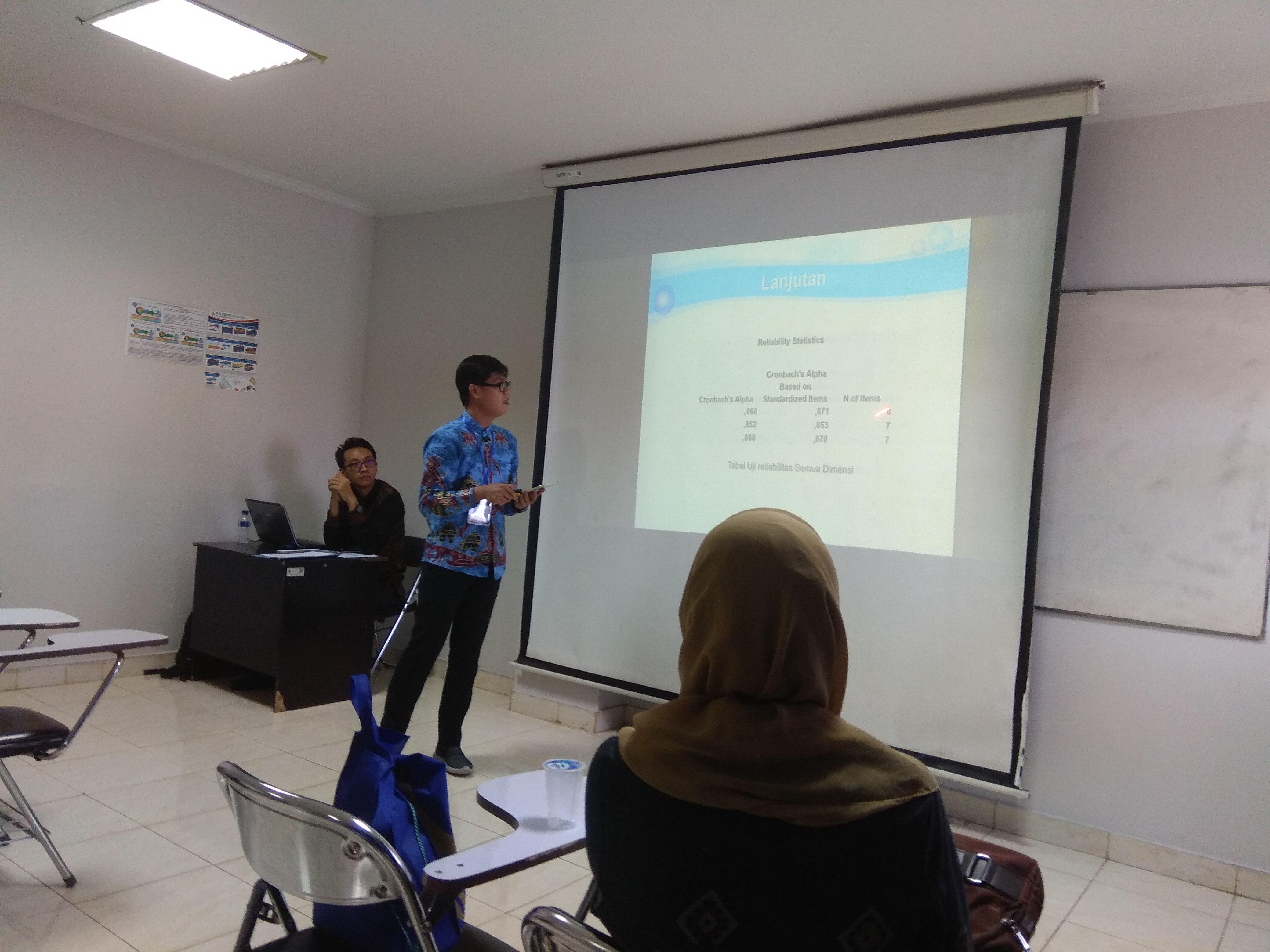<p>Presentasi Seminar dalam kegiatan KNS&I di STIKOM Bali 10 Agustus 2017</p>